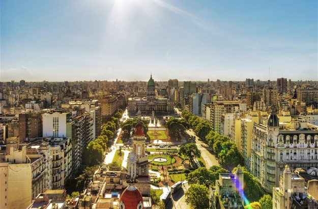 Students on the first MIP iFlex head to Buenos Aires for educational visit