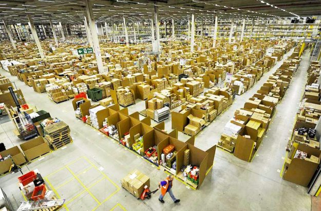 Amazon warehouse and logistics: the winning law of chaos