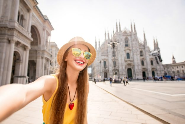 10 Lifehacks for Saving Money While Studying Abroad